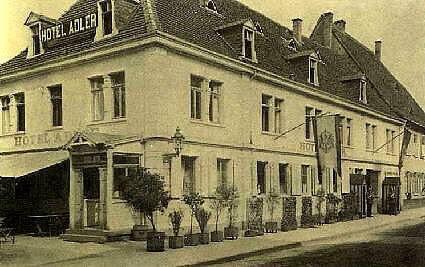 ältere Bildaufnahme des Hotels Adler Post von 1914