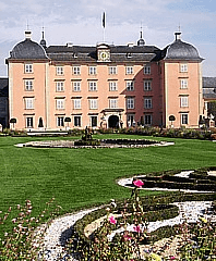 Schwetzinger Schloss Ansicht von innen